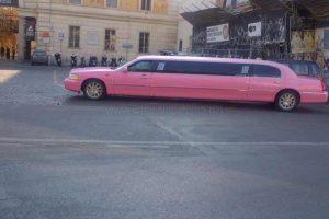 Limousine Lincoln Rosa Roma